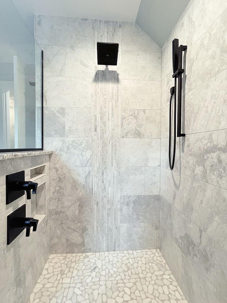paragon-building-group-universal-design-bathroom